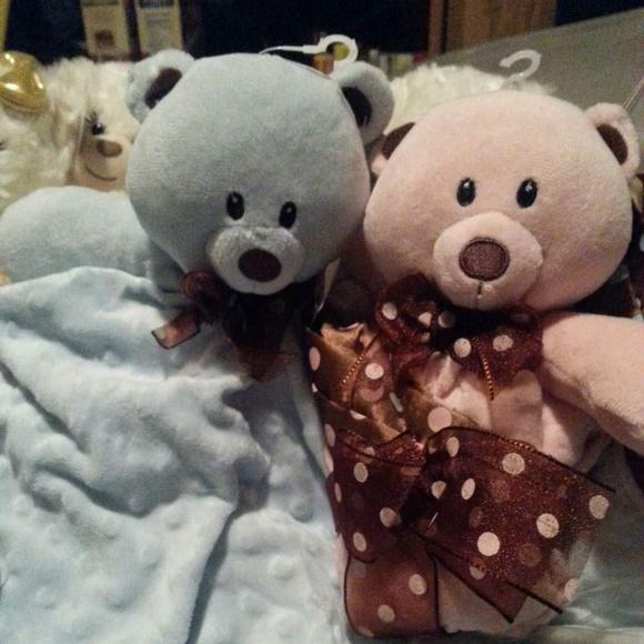 Teddy bears in blanket